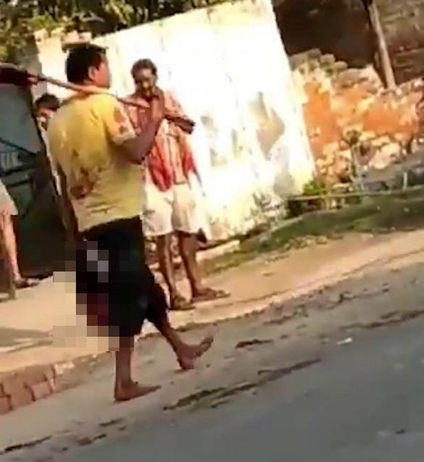 مرد هندی سر همسرش را به خاطر خیانت برید و با خود به اداره پلیس برد