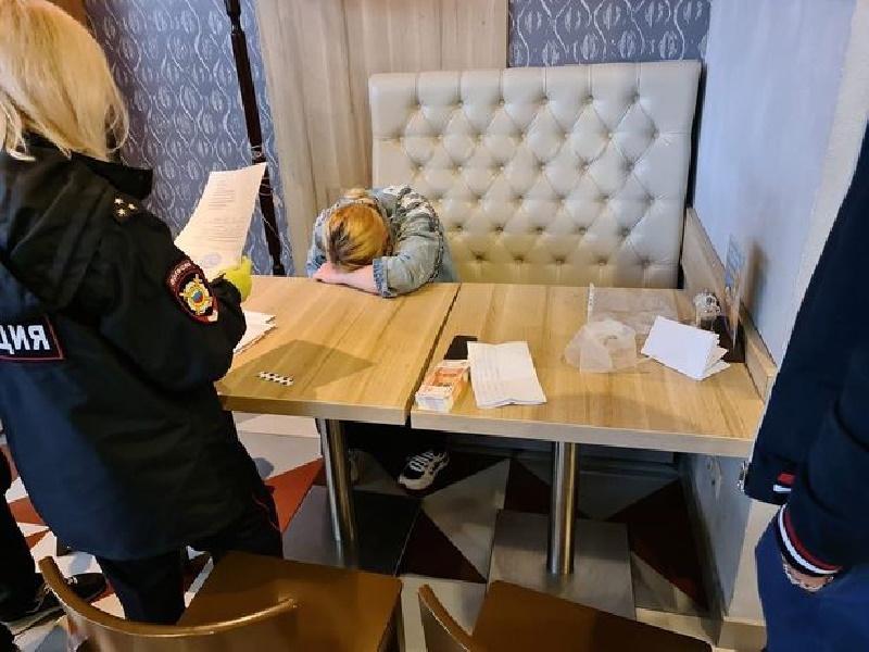 مادر سنگدل روسی نوزاد هفت روزه خود را برای خرید پوتین نو به قیمت ۳,۰۰۰ پوند فروخت