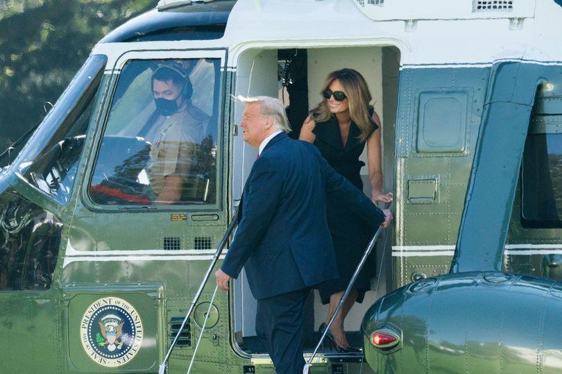 تصویری از دونالد و ملانیا ترامپ سوار بر هلی کوپتر مخصوص رییس جمهور، موسوم به مارین وان، در کاخ سفید بار دیگر شایعه ساز شده است.