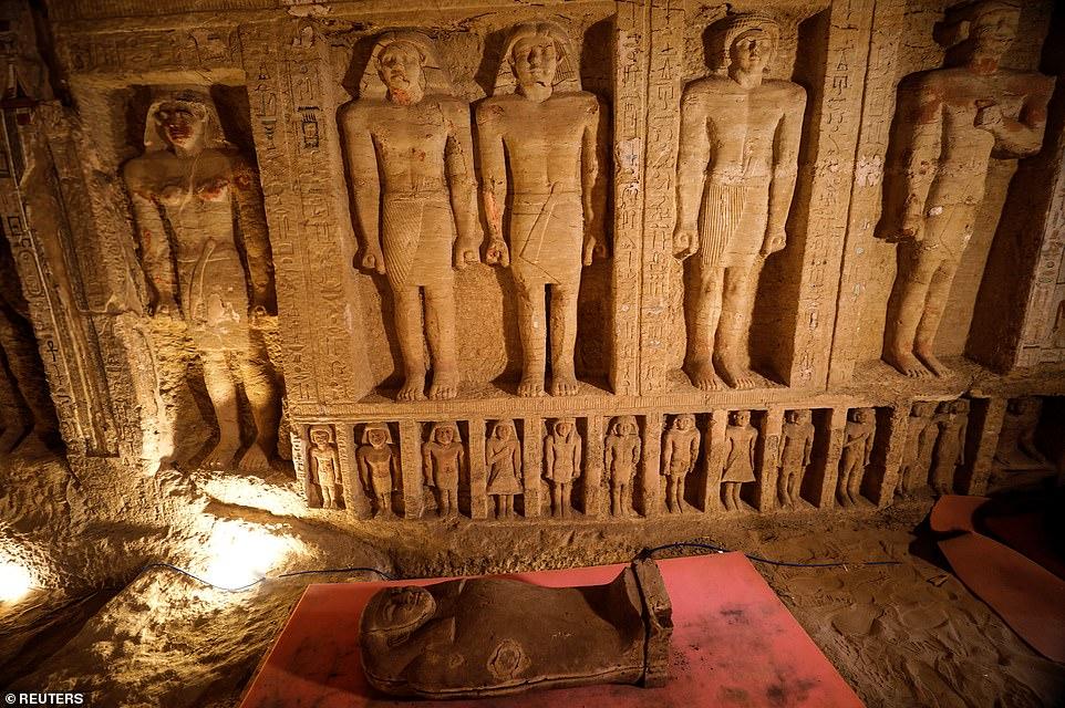 کشف ده ها تابوت 2,500 ساله در مصر حاوی بقایای مومیایی شده بدون مغز