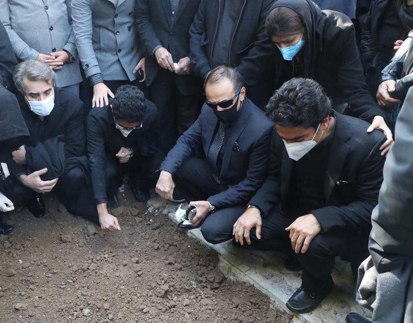 واکنش علی اکبر رائفی پور به مرغ سحر خواندن در مراسم خاکسپاری استاد محمدرضا شجریان