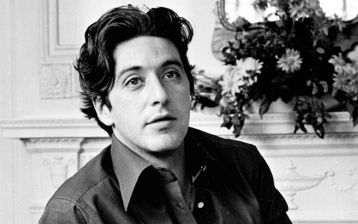 آل پاچینو یکی از نمادها و افسانه های هالیوود است که برای بیش از نیم قرن پرده نقره ای را مزین به هنرنمایی های خارق العاده خود کرده است.