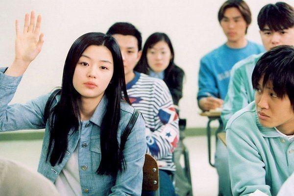 قصد داریم شما را با 20 فیلم کره ای برتر تاریخ سینما آشنا کنیم که بدون تعارف و گزافه گویی باید پیش از مرگ حتماً یکبار به تماشای آن ها بنشینید.