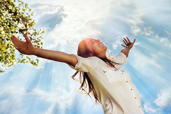 Woman sunlight blog lg روزیاتو: روش هایی طبیعی برای افزایش هورمون های شادی در بدن و دور کردن غم اخبار IT