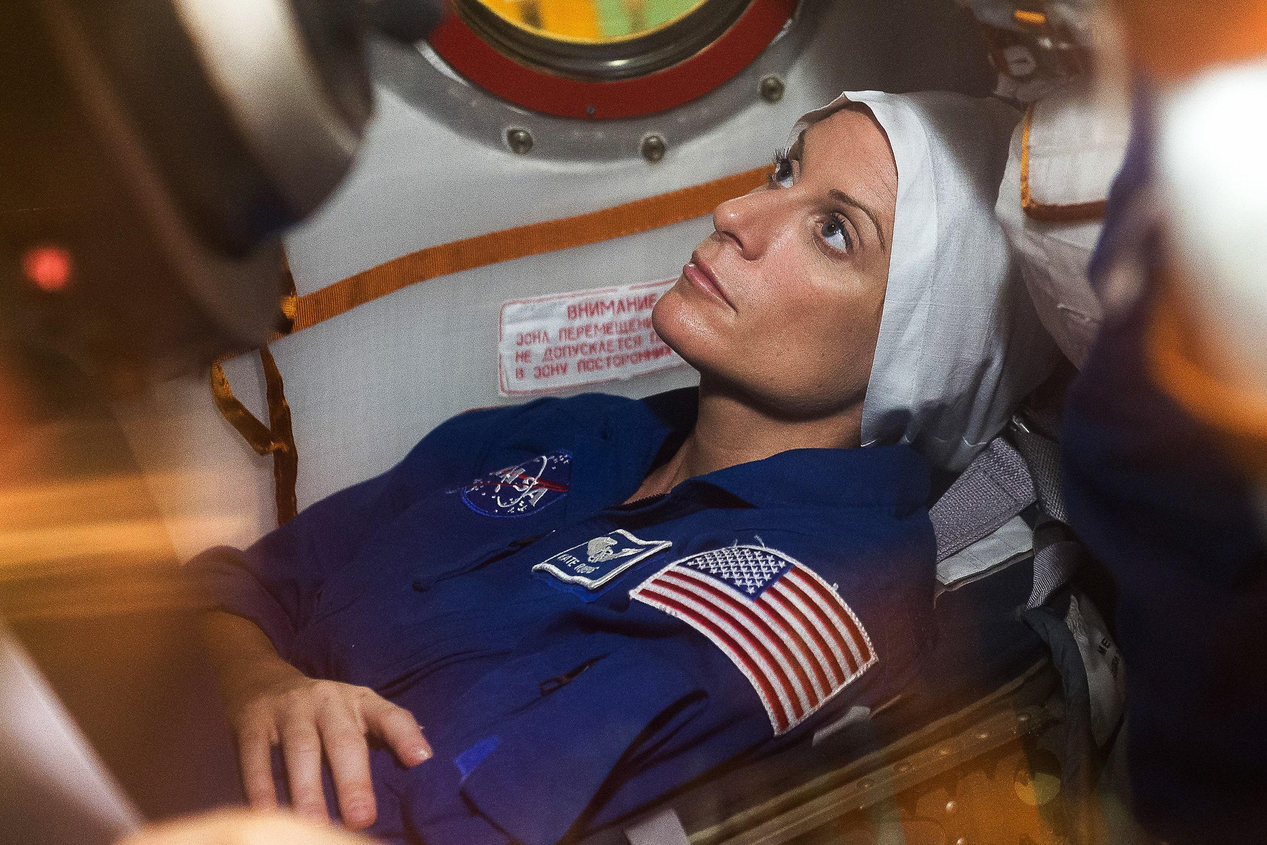 کیت رابینز فضانورد ناسا مانند بسیاری از دیگر آمریکایی ها در روزهای اخیر، رأی خود را در صندوق انداخته و تصویری از آن را در شبکه های اجتماعی منتشر کرده است.