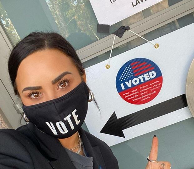 از «جنیفر لوپز» تا «سلنا گومز»: تصاویر مشارکت سلبریتی ها در انتخابات آمریکا