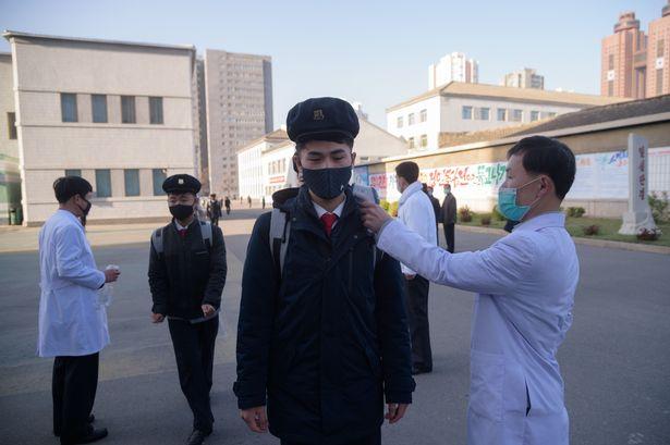 بر اساس گزارش ها، بیماران مبتلا به کرونا در کره شمالی در زندان های قرنطینه این کشور شرایط بسیار هولناکی را سپری می کنند و آنقدر گرسنگی می کشند تا بمیرند.