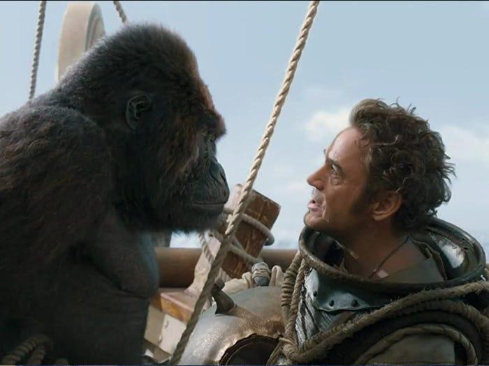 در ادامه این مطلب می خواهیم شما را با 20 مورد از مشهور ترین فیلم های سال 2020 آشنا کنیم که برخی از بدترین و برخی از بهترین فیلم های سال بوده اند.
