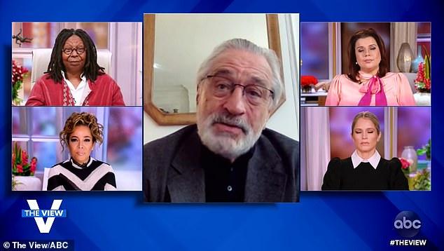 رابرت دنیرو 77 ساله رودی جولیانی را متهم کرده که از تلاش برای دستگیری مافیا به نمایندگی یک خانواده مافیایی تغییر موضع داده است.