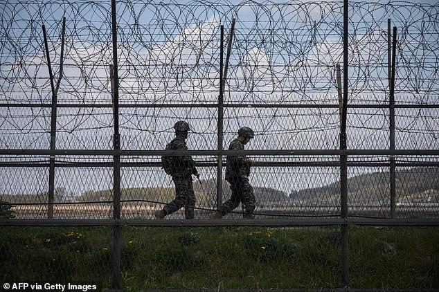 یک فراری اهل کره شمالی که ظاهراً ژیمناست بوده توانسته با پریدن از روی حصار مرزی 12 فوتی (بیش از 3.6 متر) بین دو کره، خود را به کره جنوبی برساند
