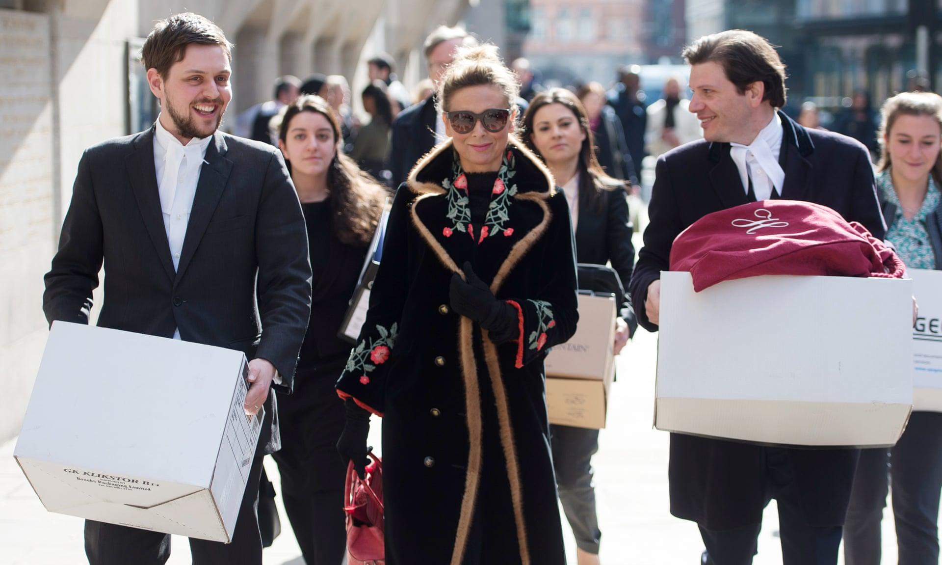 یک زن روسی که گران ترین طلاق تاریخ بریتانیا را رقم زده هنوز نتوانسته مهریه خود را از شوهرش که یک اولیگارش ثروتمند روس است بگیرد.