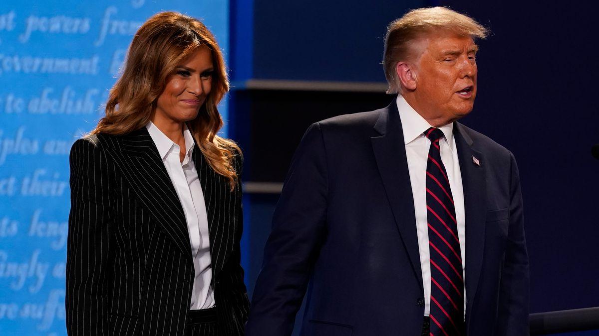 ملانیا ترامپ یکی از مشاوران سابق شوهرش را به دست و پا زدن از روی خشم متهم کرد بعد از آنکه وی مدعی شده بود بانوی اول در حال لحظه شماری برای طلاق گرفتن است.