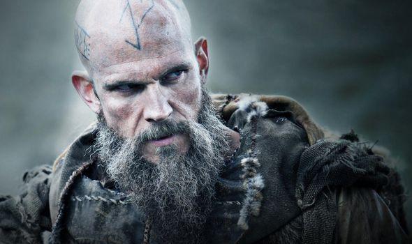 علیرغم سفر نافرجام فلوکی که در انتهای فصل پنجم سریال Vikings به پایان رسید، تمامی شواهد به این واقعیت اشاره دارند که وی در پایان این سریال بازگشتی معجزه آسا به داستان خواهد داشت.