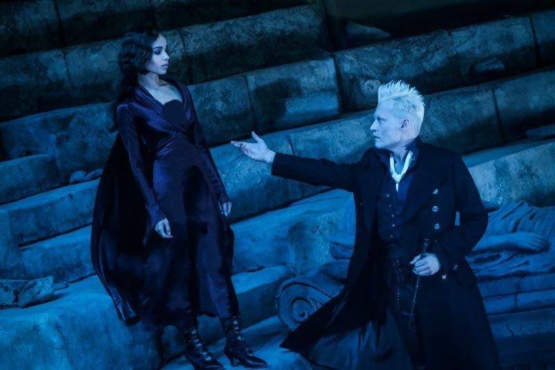 جانی دپ فاش کرده که پس از بازنده شدن در پرونده حقوقی خود علیه امبر هرد و روزنامه سان، از وی خواسته شده از نقش گریندلوالد در Fantastic Beasts کناره گیری کند.