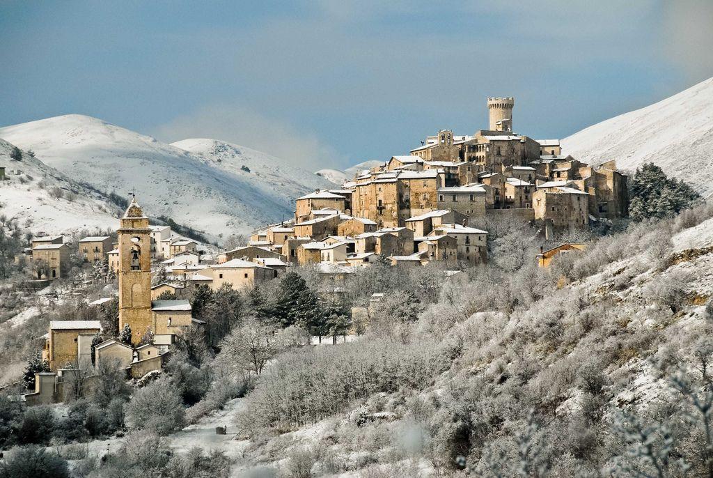به روستای زیبای سانتو استفانو در ایتالیا نقل مکان کنید و ۴۰,۰۰۰ پوند نقد دریافت کنید!