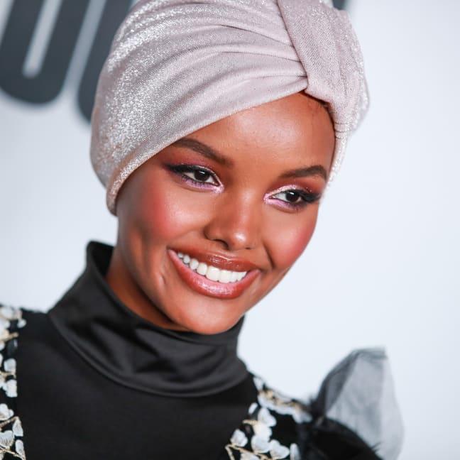 حلیمه عدن ، یکی از اولین مدل های باحجاب معروف جهان، اعلام کرده است که به خاطر باورهای دینی اش دیگر در نمایش های مد و فشن شرکت نخواهد کرد.