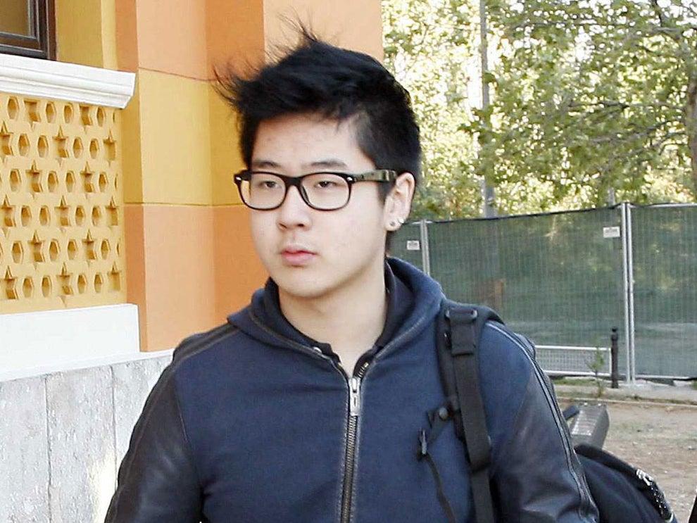 کیم هان سول پسر کیم جونگ نام ، برادر ناتنی رهبر کنونی کره شمالی است که به دستور وی با عامل اعصاب در سال 2017 در فرودگاهی در مالزی ترور شد.