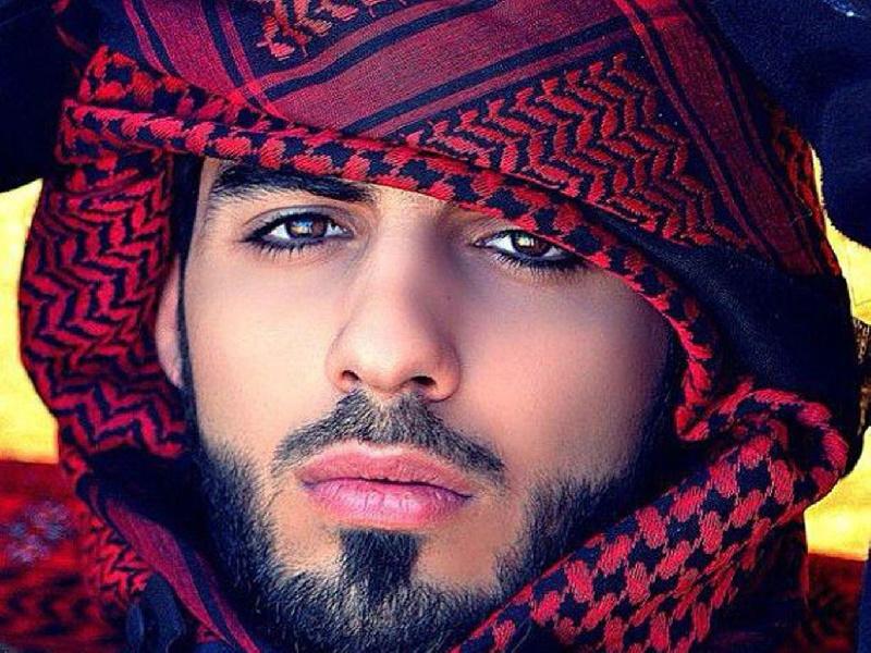 عمر برکان الغلا؛ داستان جوان عراقی که به خاطر جذابیت بیش از حد از عربستان اخراج شد