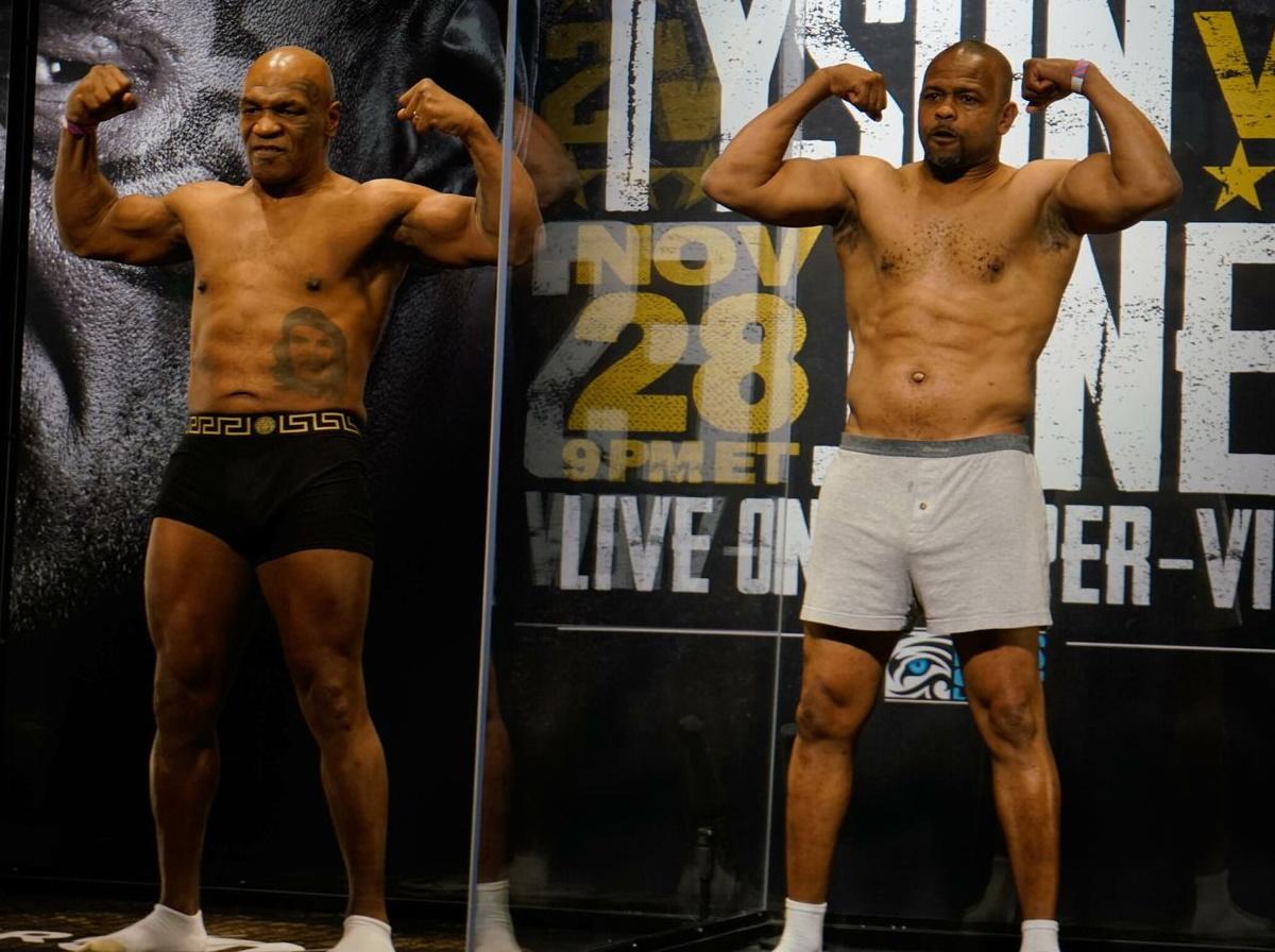 همانطور که انتظار می رفت نبرد بین مایک تایسون و روی جونز جونیور در یک مسابقه نمایشی با نتیجه مساوی به پایان رسید.