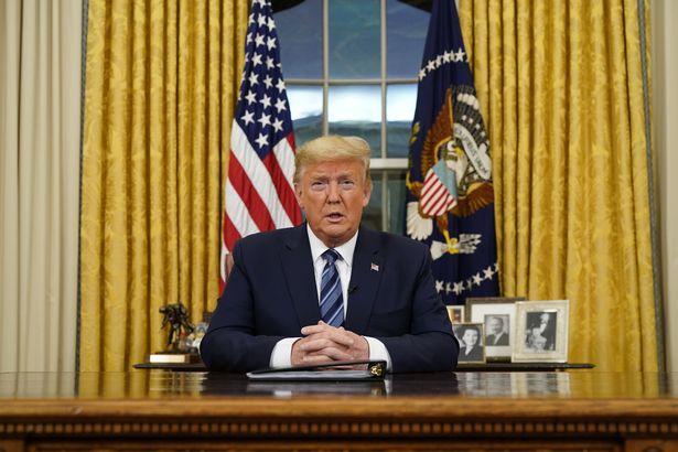 دونالد ترامپ در مهمانی کریسمس کاخ سفید خطاب به حاضران گفت اگر نتواند نتیجه انتخابات نوامبر را تغییر دهد، در سال 2024 نامزد انتخابات ریاست جمهوری خواهد شد.