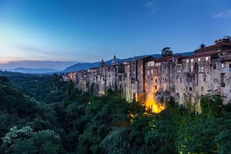 1 SantAgata de Goti Italy روزیاتو: با خطرناک ترین جاذبه های گردشگری دنیا آشنا شوید اخبار IT