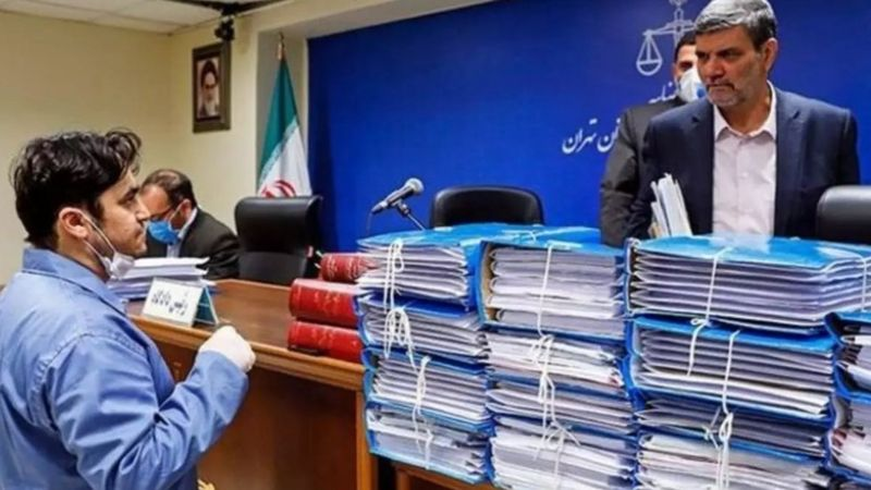 حکم اعدام روح الله زم در دیوان عالی کشور تایید شد؛ موسس آمد نیوز در یک قدمی طناب دار
