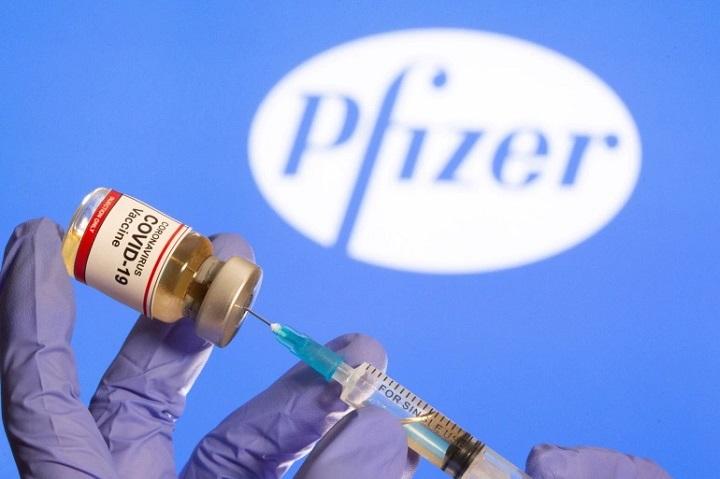 فلج صورت آزمایش واکسن کرونا فایزر