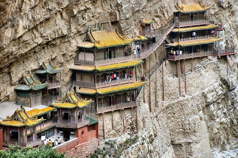 4 hanging monastery e1483910267847  روزیاتو: با خطرناک ترین جاذبه های گردشگری دنیا آشنا شوید اخبار IT