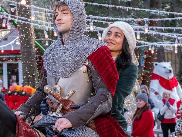 در ادامه این مطلب قصد داریم شما را با بهترین برنامه های اورجینال سرویس نتفلیکس با موضوع کریسمس که در تعطیلات سال نو میلادی باید ببنید آشنا کنیم.