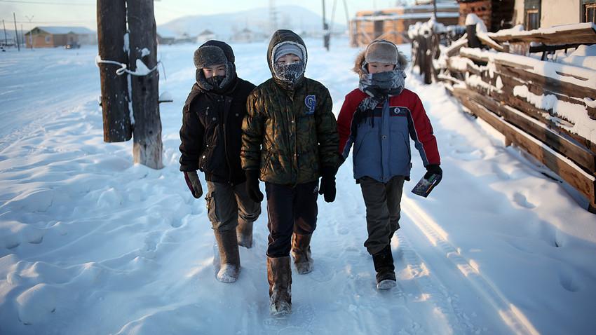 سردترین مدرسه جهان با دمای ۵۱ درجه سانتیگراد زیر صفر در سیبری روسیه + ویدیو