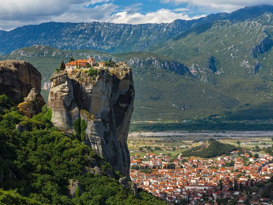 7 Meteora monastery Kaningos Tours  روزیاتو: با خطرناک ترین جاذبه های گردشگری دنیا آشنا شوید اخبار IT