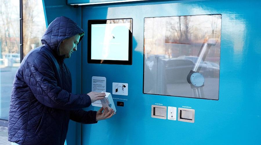راه اندازی اولین دستگاه فروش خودکار تست کرونا دنیا در کشور لتونی