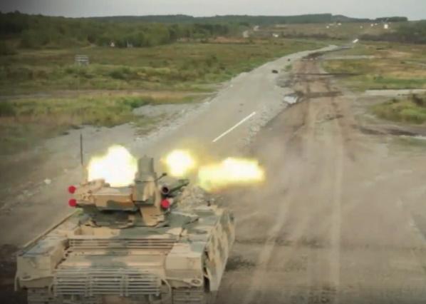 روسیه ویدیویی از تانک جدید این کشور با نام ترمیناتور (Terminator) را منتشر کرده که می تواند در برابر انفجارهای هسته ای مقاومت کرده و توانایی هدف قرار دادن هواپیماها در آسمان را نیز داراست.