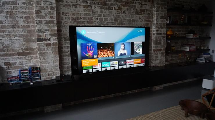 از تفاوت بین رزولوشن 8K و 4K، ویژگی های اصلی تلویزیون های اسمارت، چرا باید به دنبال HDR باشید تا تفاوت های بین LED و OLED، در ادامه این مطلب پاسخ تمام سوالات شما در حوزه خرید تلویزیون را خواهیم داد.