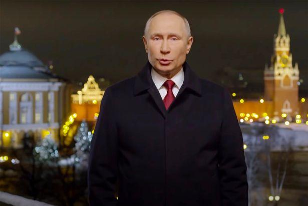 بعداز گاف یک کانال خبری تلویزیونی در روسیه در جریان پیام سال نو میلادی رییس جمهور، تصویر ولادیمیر پوتین «گردن زده» نشان داده شد.