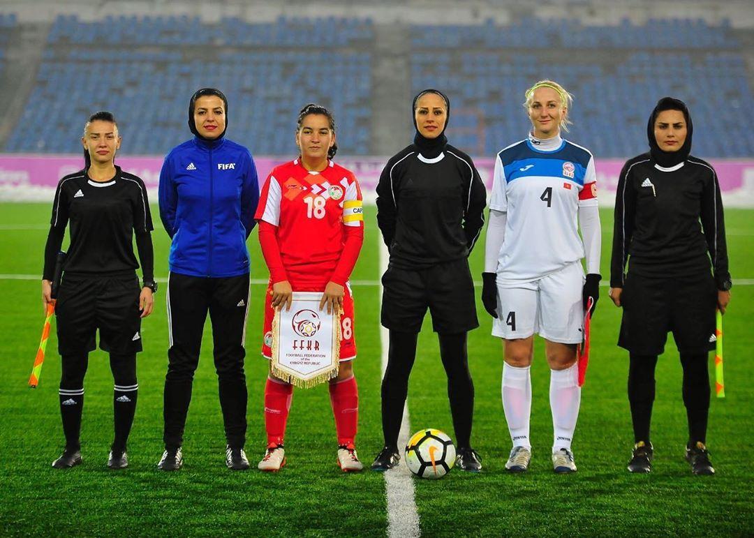 آسو جواهری داور فوتبال زنان ایران از محرومیت خود از داوری از سوی کمیته داوران به خاطر کارهای پژوهشی خبر داده است