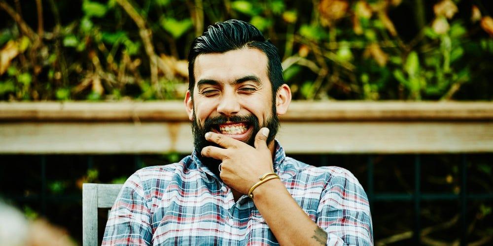توصیه های متخصصان به آقایان برای داشتن ریش کامل و سالم