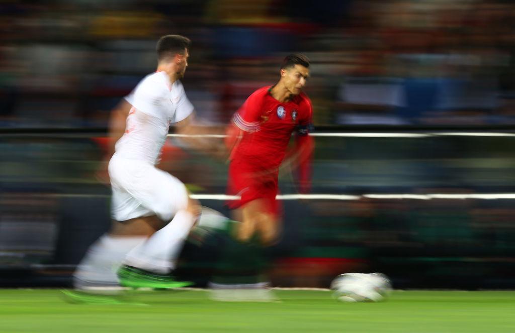 جدای از یوسین بولت چه کسان دیگری را می توان نامزد دریافت عنوان سریع ترین مرد جهان دانست؟ لیونل مسی یا کریستیانو رونالدو؟