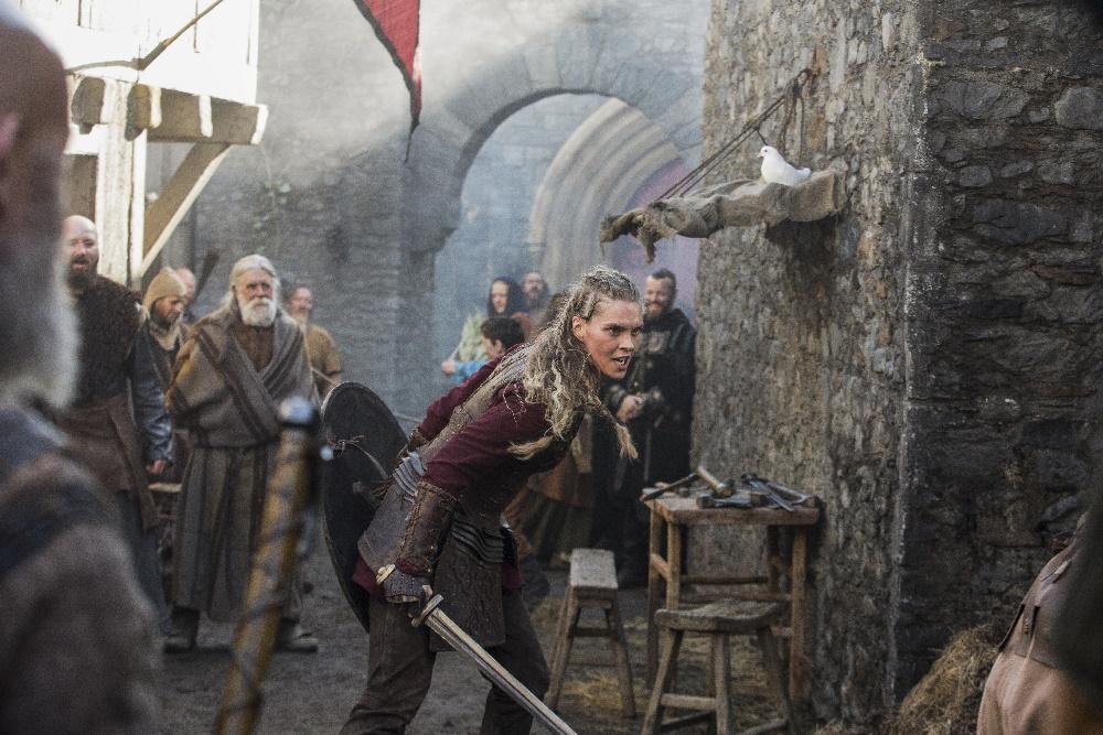 بالا گرفتن بحث طرفداران سریال Vikings بر سر حفره داستانی فصل ششم و مرگ گانهیلد