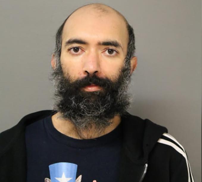 یک مرد کالیفرنیایی که به خاطر ترس از کووید-19 به خانه اش نمی رفت به مدت 3 ماه به شکل مخفیانه در فرودگاه اوهار شیکاگو زندگی کرد.
