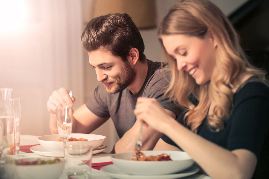 محققان می گویند نخوردن شام باعث چاقی می شود