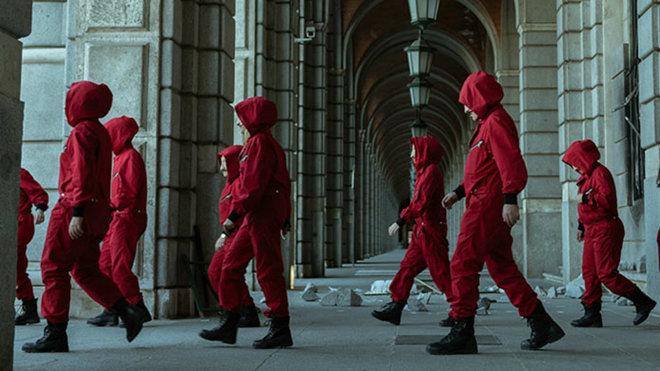 به نظر می رسد که بر اساس برخی گزارش ها، فصل پنجم سریال Money Heist خیلی زودتر از پاییز آینده و در ماه آگوست منتشر شود.