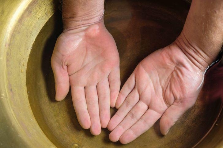 راهکارهایی برای حفظ جوانی و طراوت دست ها