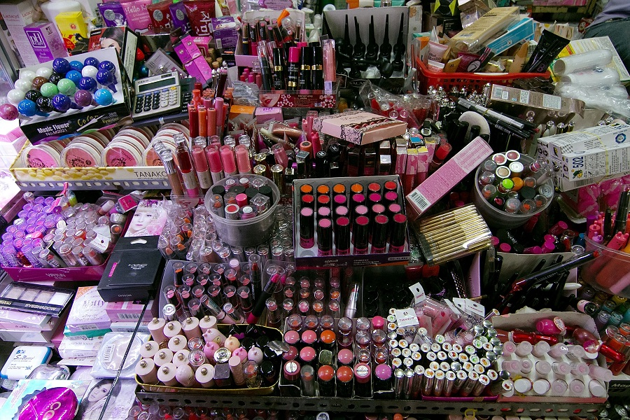 خرید و فروش لوازم آرایش دست دوم در ایران