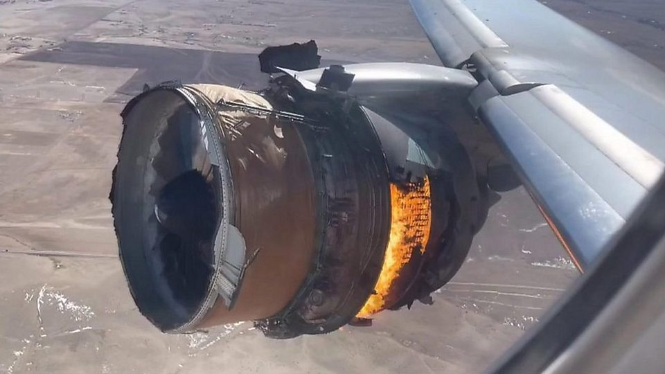 یک مسافر ویدیویی از انفجار در موتور هواپیمای مسافربری بویینگ 777 تنها لحظاتی پس از بلند شدن از ژاپن در ماه دسامبر را بازنشر کرده است.