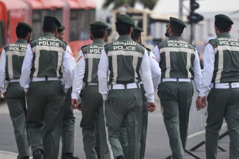 زنی بریتانیایی به خاطر فرستادن یک پیام واتساپی با مضمون «لعنت به تو» برای همخانه ایش در امارات به دو سال زندان محکوم شد بود.