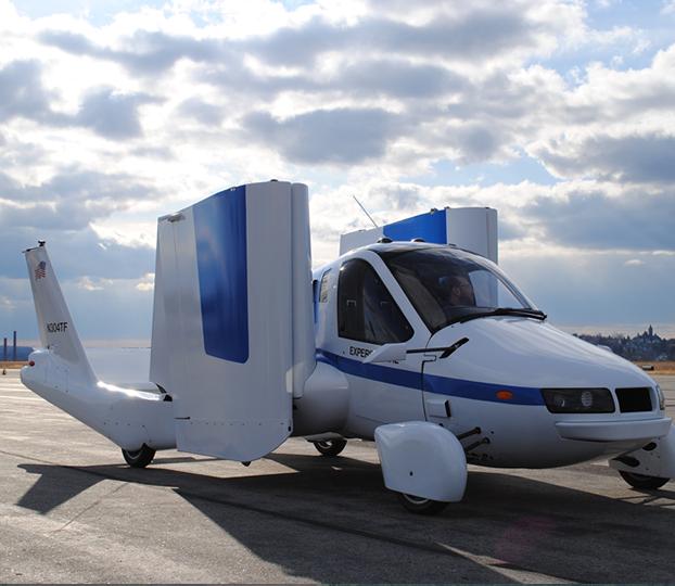 رویای ماشین پرنده یک قدم دیگر به واقعیت نزدیک تر شده ، بعد از آنکه مجوز پرواز خودرویی هیبریدی با توان حرکت روی زمین و هوا صادر شده است.