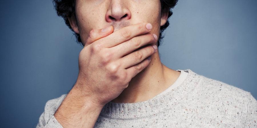 از کجا بفهمیم دهان مان بوی بدی می دهد یا نه؟