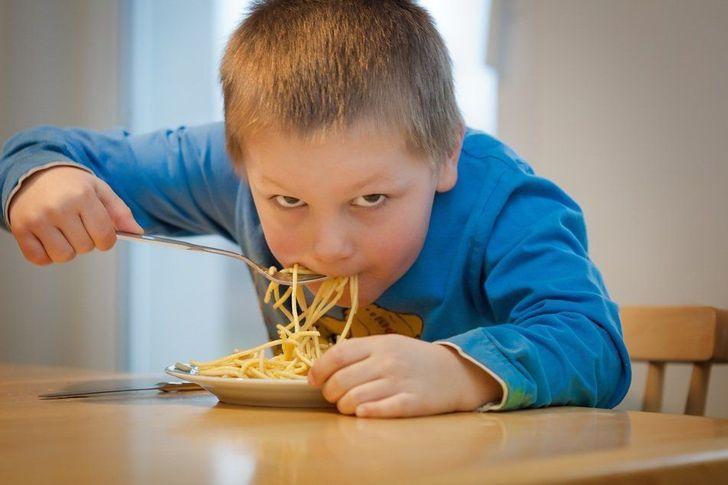 عادت هایی که نشان می دهند فرد در خانواده ای فقیر بزرگ شده است