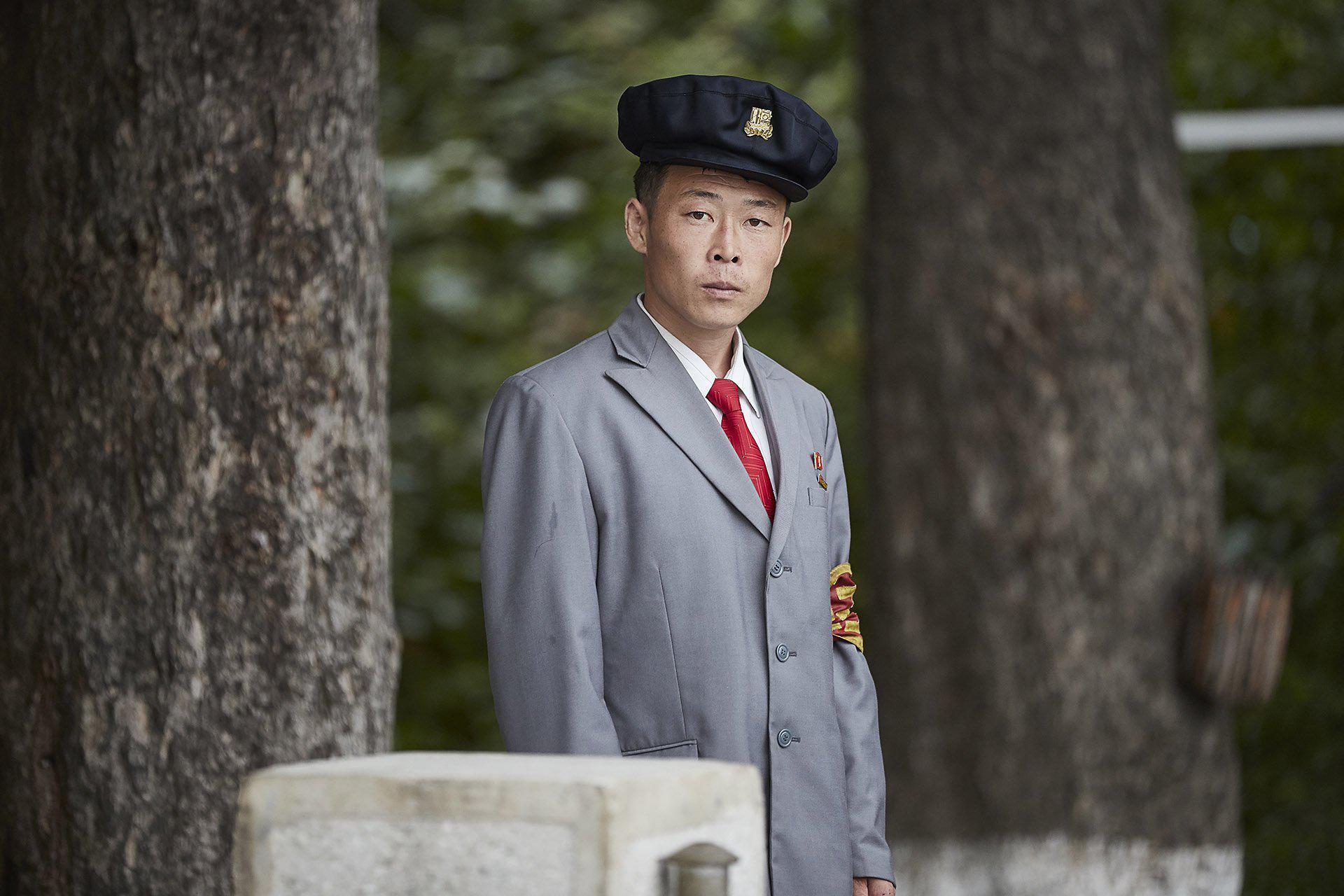 کیم جونگ اون دیکتاتور کره شمالی به پلیس مد و فشن این کشور دستور داده تا به مبارزه با نمادهای «ضد سوسیالیستی» در خیابان بپردازد.